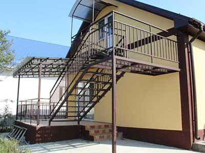 монтаж металлических лестниц в Ростове